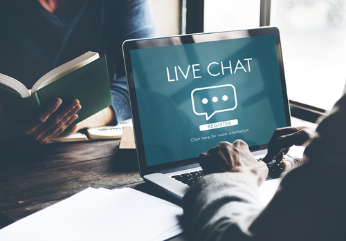 live chat online conversation message concept-img-blog